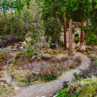 atlas-pauls-tomb-trail-hike-4dc64.jpg